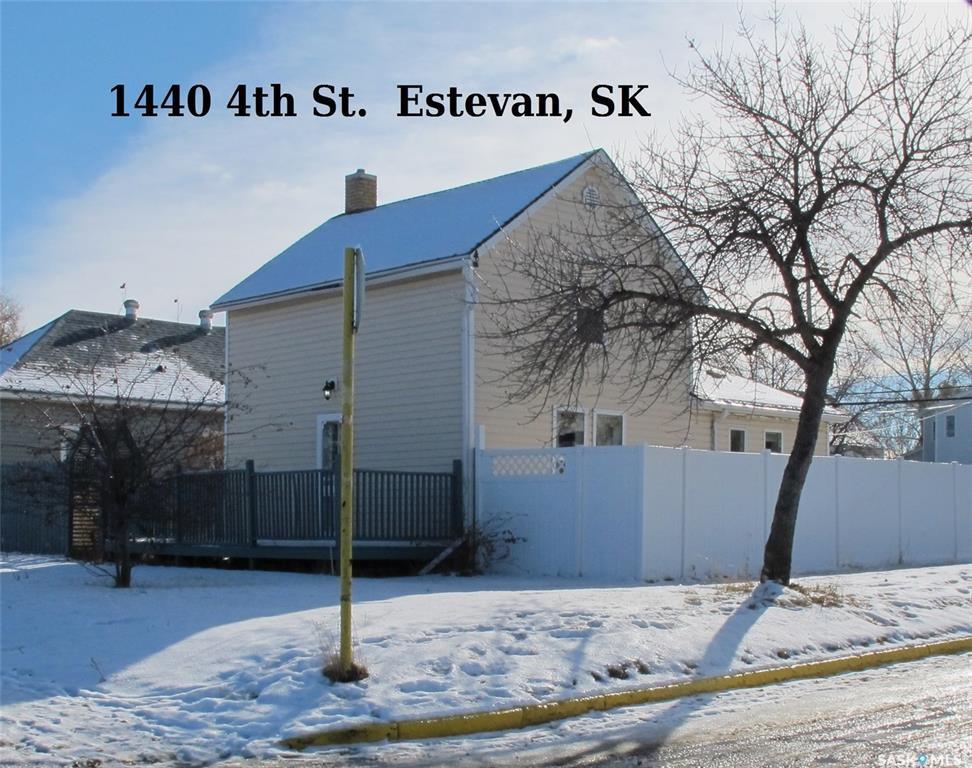 Main Photo: 1440 4th Street in Estevan: City Center Residential for sale : MLS®# SK831485