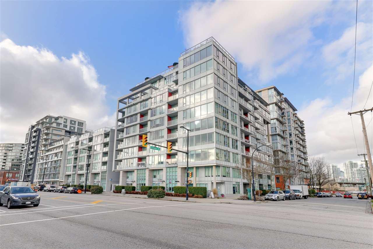 "Main Photo: 512 1887 CROWE Street in Vancouver: False Creek Condo for sale in ""Pinnacle Living False Creek"" (Vancouver West)  : MLS®# R2526826"