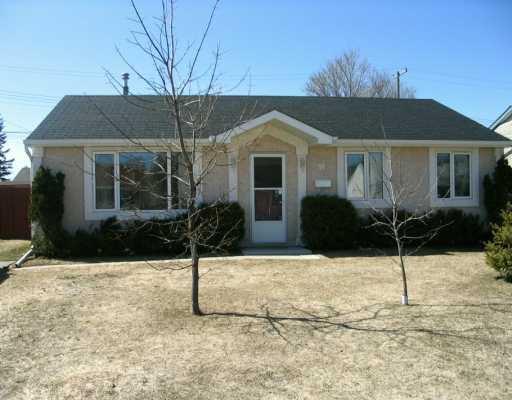 Main Photo: 38 PAISLEY Place in Winnipeg: St James Single Family Detached for sale (West Winnipeg)  : MLS®# 2604778