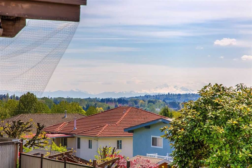 Photo 18: Photos: 1735 CRESTLAWN Court in Burnaby: Brentwood Park House for sale (Burnaby North)  : MLS®# R2390296