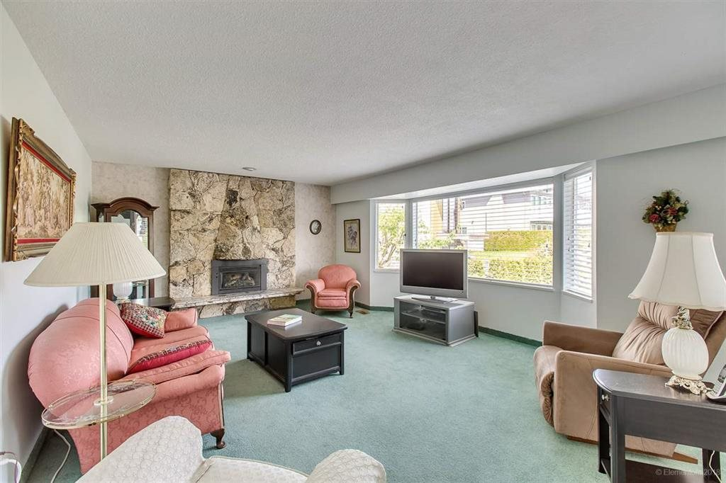 Photo 2: Photos: 1735 CRESTLAWN Court in Burnaby: Brentwood Park House for sale (Burnaby North)  : MLS®# R2390296