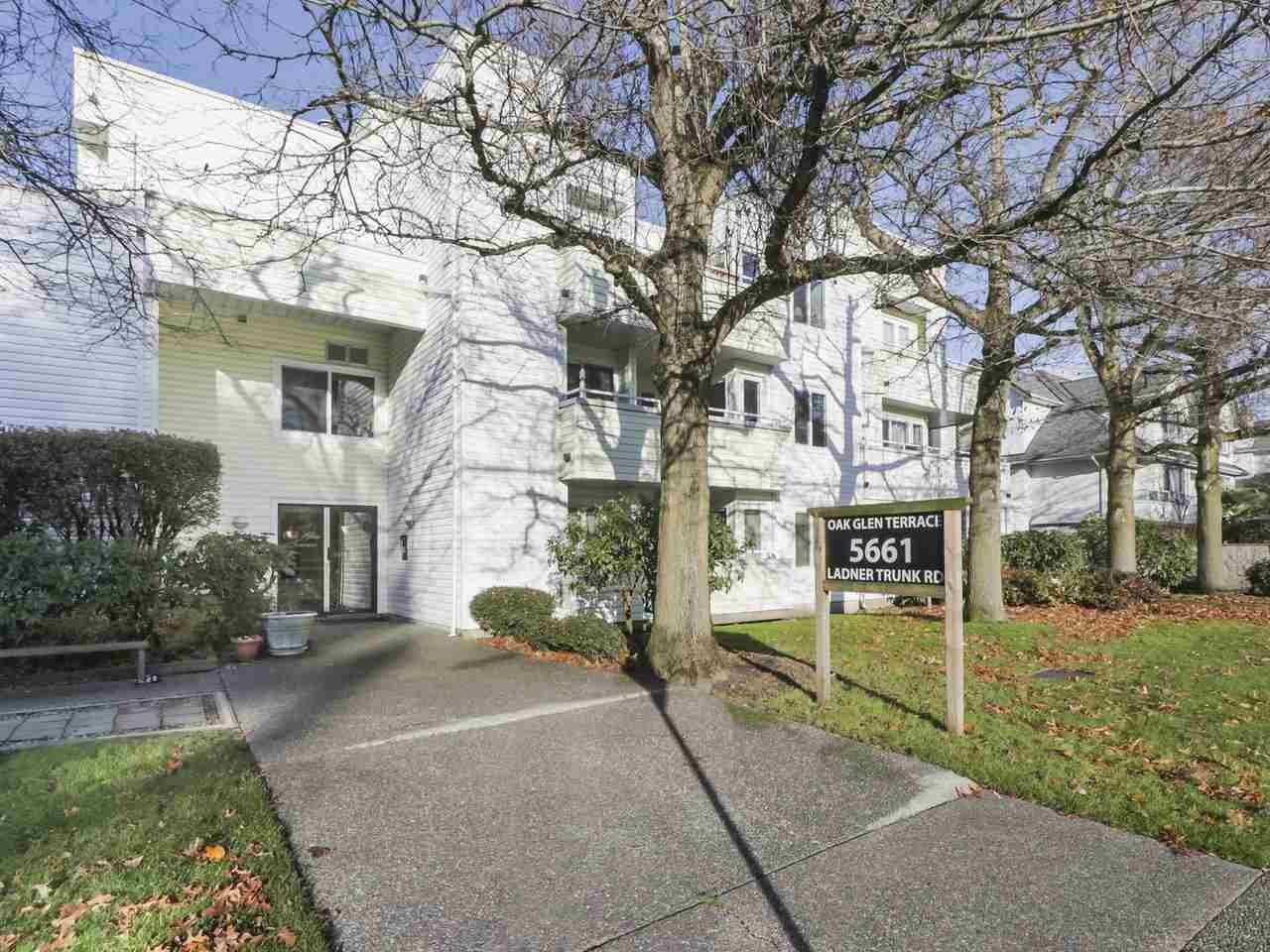 "Main Photo: 3 5661 LADNER TRUNK Road in Delta: Hawthorne Condo for sale in ""OAK GLENN TERRACE"" (Ladner)  : MLS®# R2422255"
