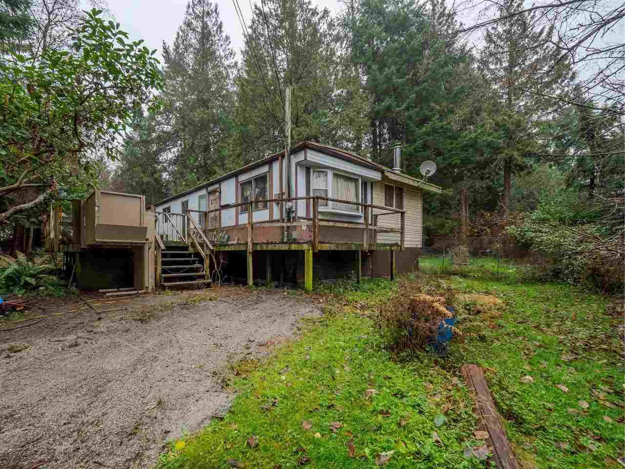 Main Photo: 8143 CEDARWOOD Road in Halfmoon Bay: Halfmn Bay Secret Cv Redroofs Manufactured Home for sale (Sunshine Coast)  : MLS®# R2423680