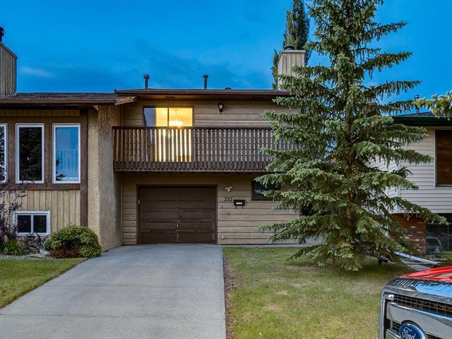 Main Photo: 232 MAUNSELL Close NE in Calgary: Mayland Heights Semi Detached for sale : MLS®# C4302894