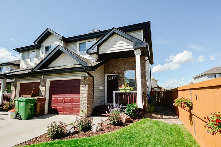 Main Photo: 41 NEVIS Close: St. Albert House Half Duplex for sale : MLS®# E4206427