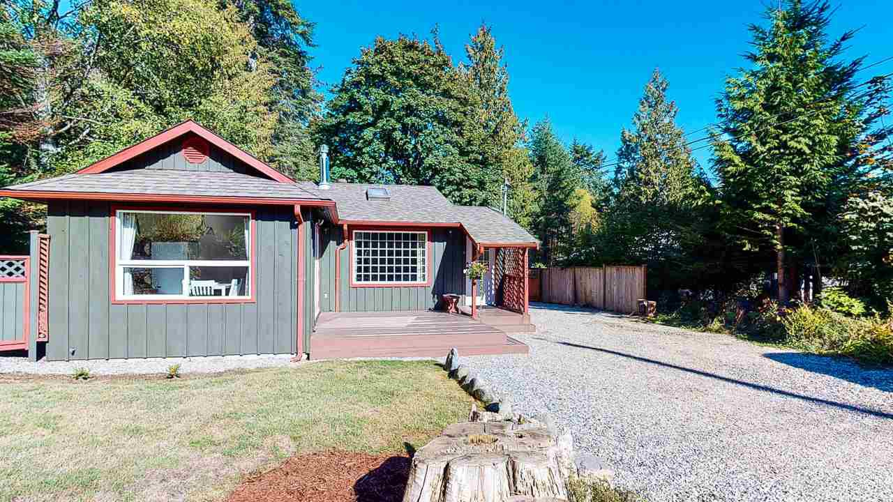Main Photo: 7773 LOHN Road in Halfmoon Bay: Halfmn Bay Secret Cv Redroofs House for sale (Sunshine Coast)  : MLS®# R2503820