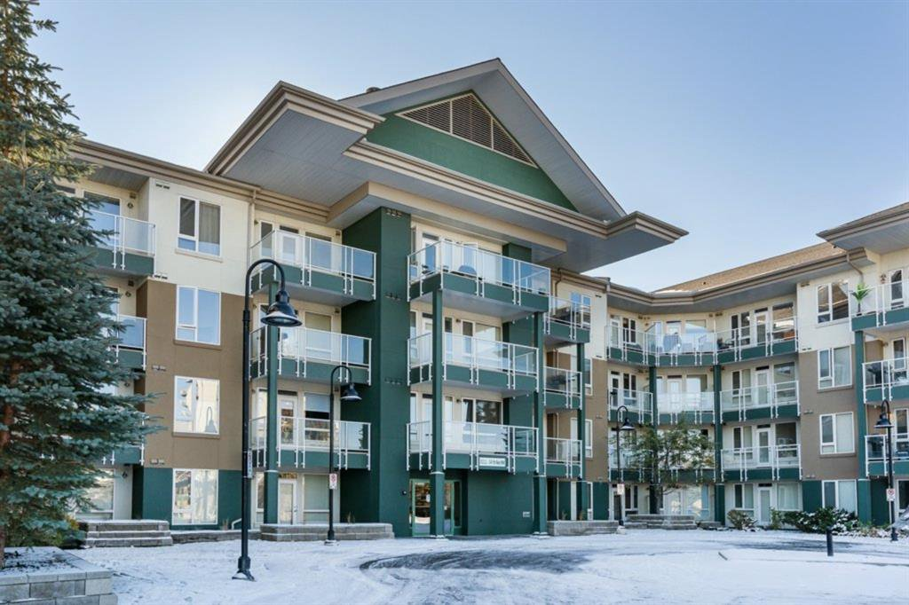 Main Photo: 215 3111 34 Avenue NW in Calgary: Varsity Apartment for sale : MLS®# A1041568