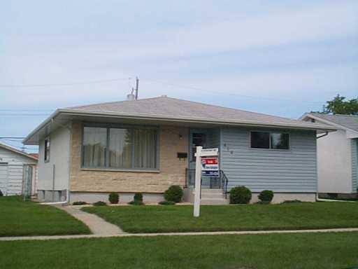 Main Photo: 616 STEWART Street in Winnipeg: Westwood / Crestview Single Family Detached for sale (West Winnipeg)  : MLS®# 2508856