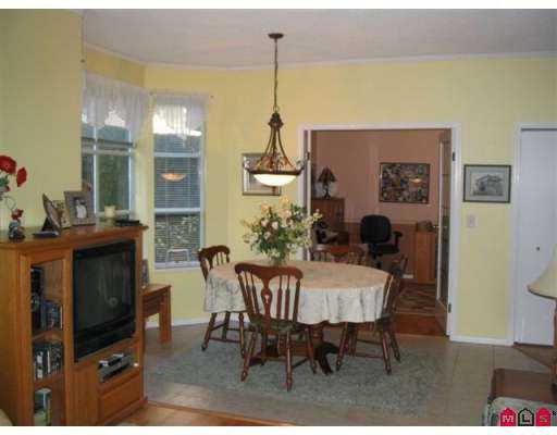"Photo 9: Photos: 102 15131 BUENA VISTA Avenue in White_Rock: White Rock Condo for sale in ""Bay Pointe"" (South Surrey White Rock)  : MLS®# F2727209"