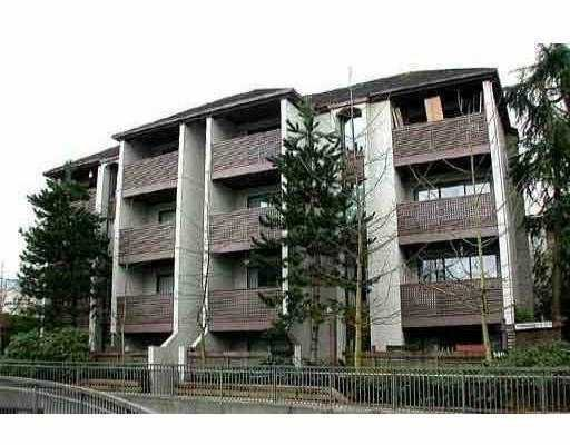 "Main Photo: 404 340 GINGER Drive in New Westminster: Fraserview NW Condo for sale in ""FRASER MEWS"" : MLS®# V701033"