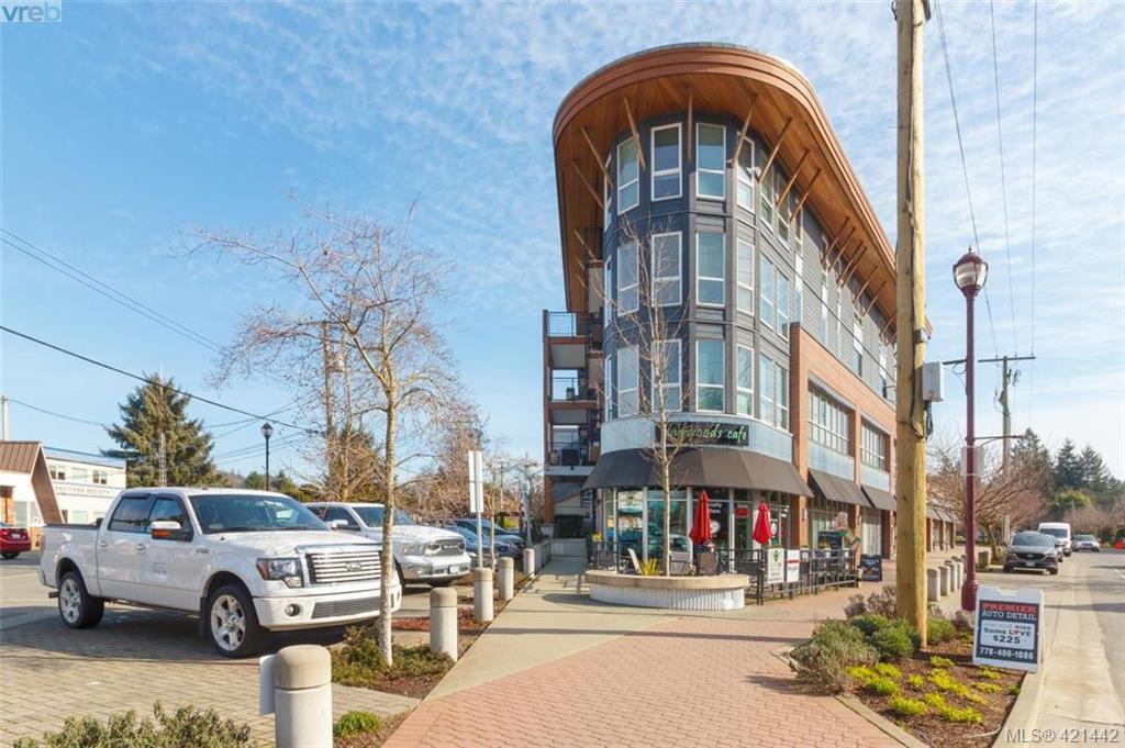Main Photo: 302 662 Goldstream Avenue in VICTORIA: La Fairway Condo Apartment for sale (Langford)  : MLS®# 421442
