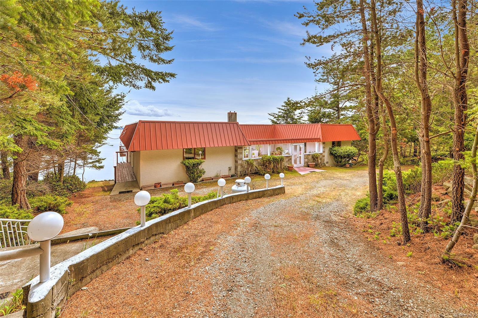 Photo 51: Photos: 172 Cliffside Rd in : GI Saturna Island House for sale (Gulf Islands)  : MLS®# 857035