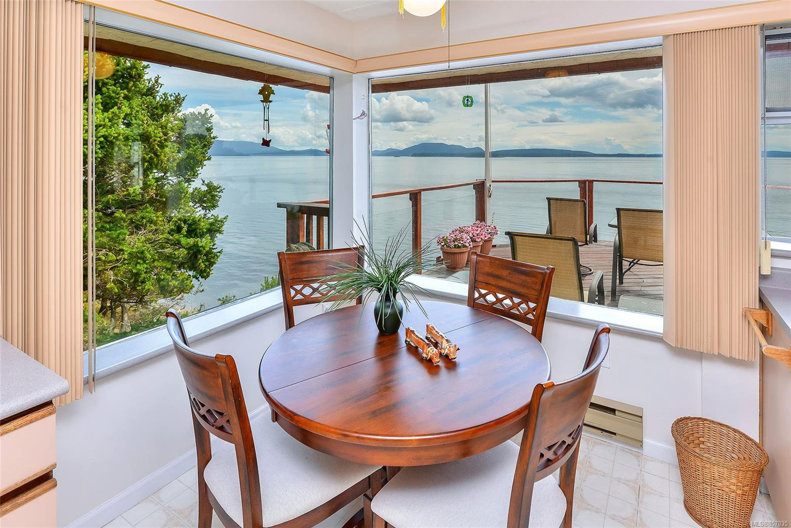 Photo 18: Photos: 172 Cliffside Rd in : GI Saturna Island House for sale (Gulf Islands)  : MLS®# 857035