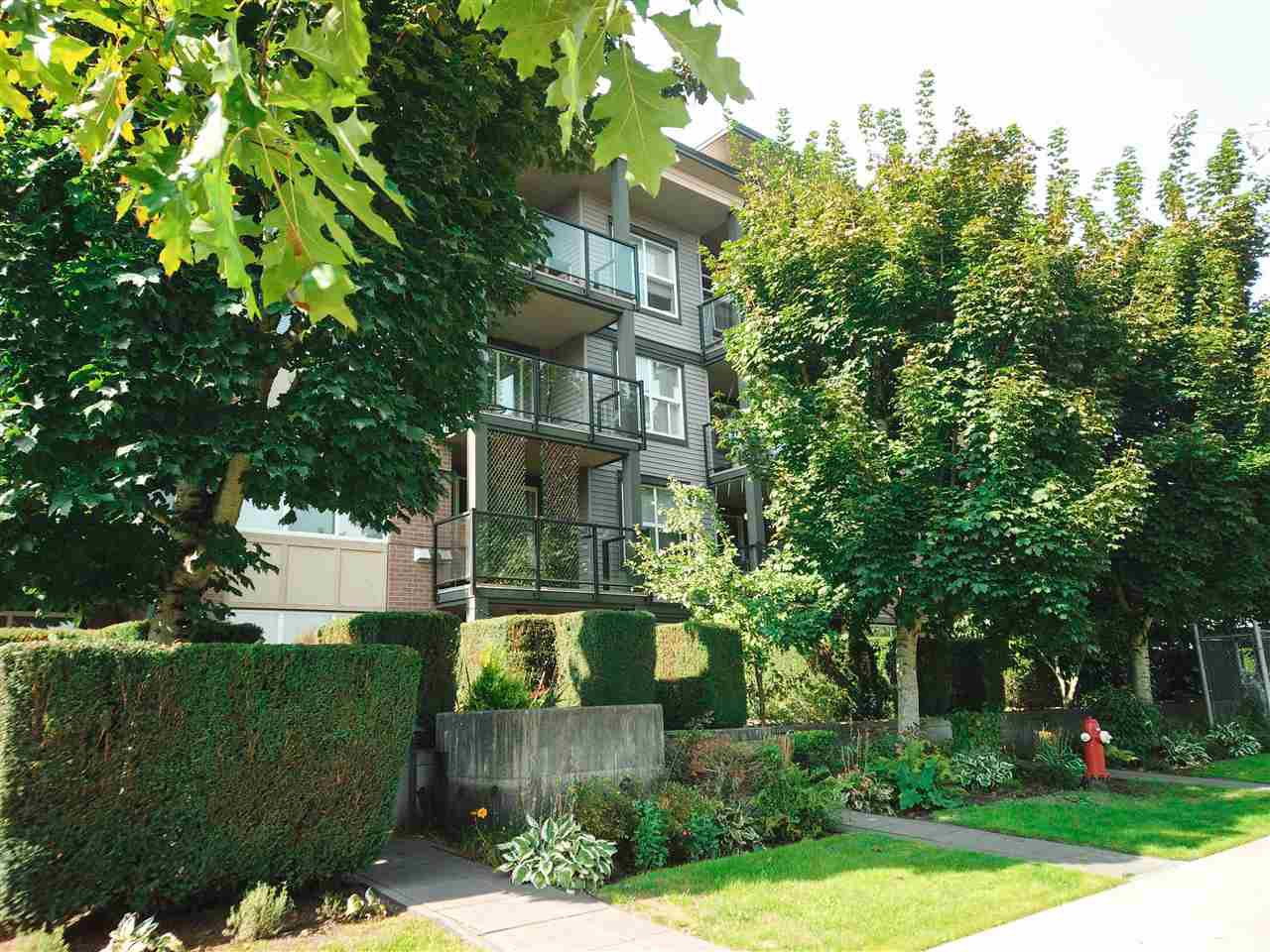 Main Photo: 123 10707 139 Street in Surrey: Whalley Condo for sale (North Surrey)  : MLS®# R2504600