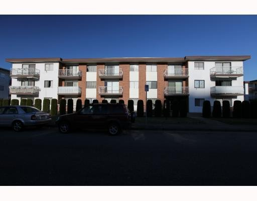 """Main Photo: 302 5127 IRVING ST in Burnaby: Forest Glen BS Condo for sale in """"Irving Apartments"""" (Burnaby South)  : MLS®# V802993"""