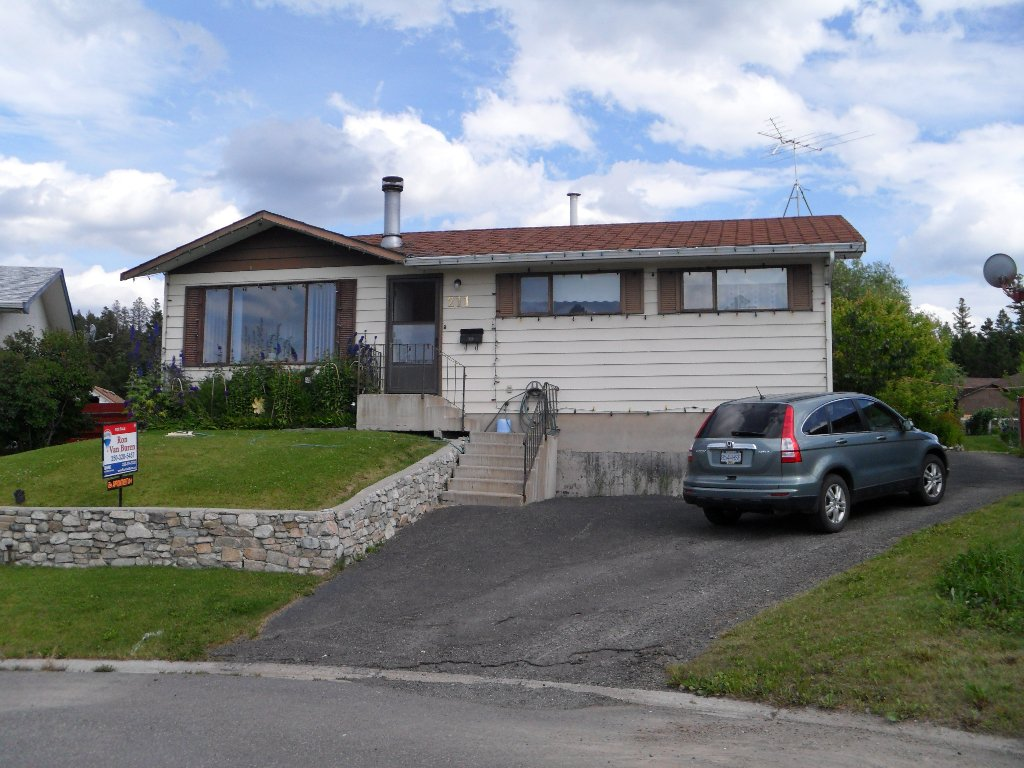 Main Photo: Basalt Place in Logan Lake: House for sale : MLS®# 105010