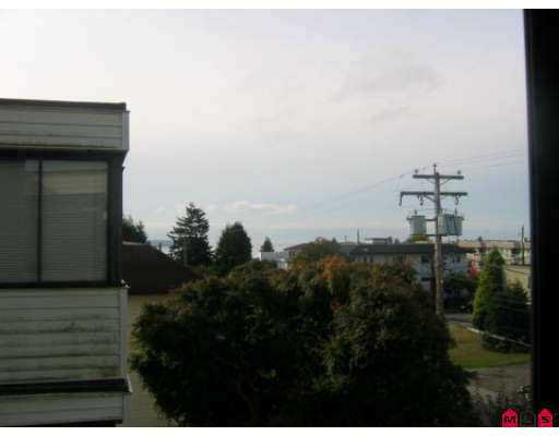 """Photo 31: Photos: 313 1448 FIR Street in White_Rock: White Rock Condo for sale in """"THE DORCHESTER"""" (South Surrey White Rock)  : MLS®# F2725801"""