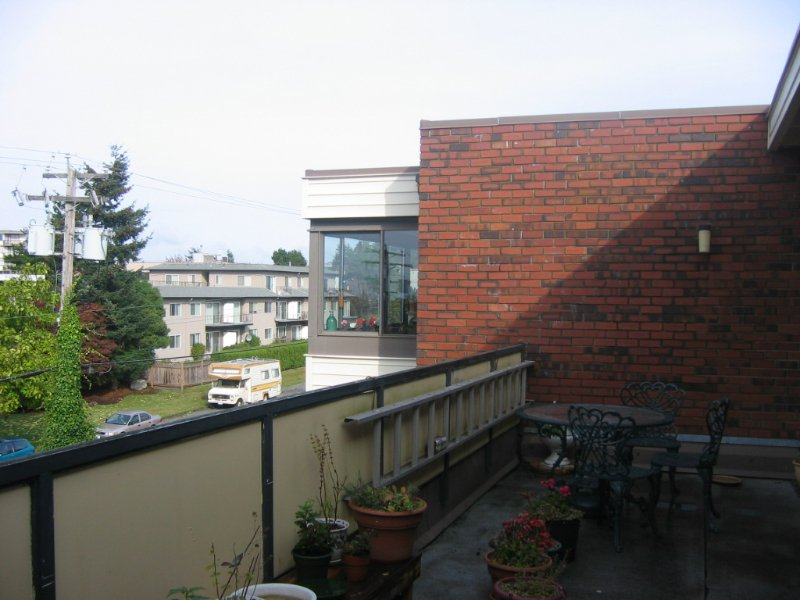 """Photo 7: Photos: 313 1448 FIR Street in White_Rock: White Rock Condo for sale in """"THE DORCHESTER"""" (South Surrey White Rock)  : MLS®# F2725801"""