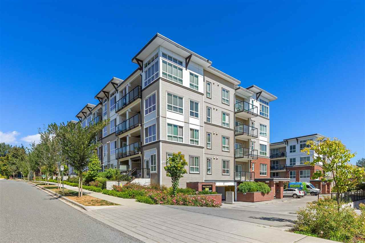 """Main Photo: 412 6468 195A Street in Surrey: Clayton Condo for sale in """"YALE BLOC"""" (Cloverdale)  : MLS®# R2492582"""