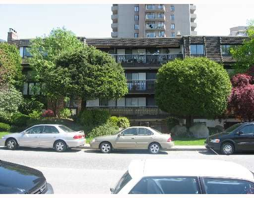 Main Photo: 103-1610 Chesterfield in North Vancouver: Central Lonsdale Condo for sale : MLS®# V646952