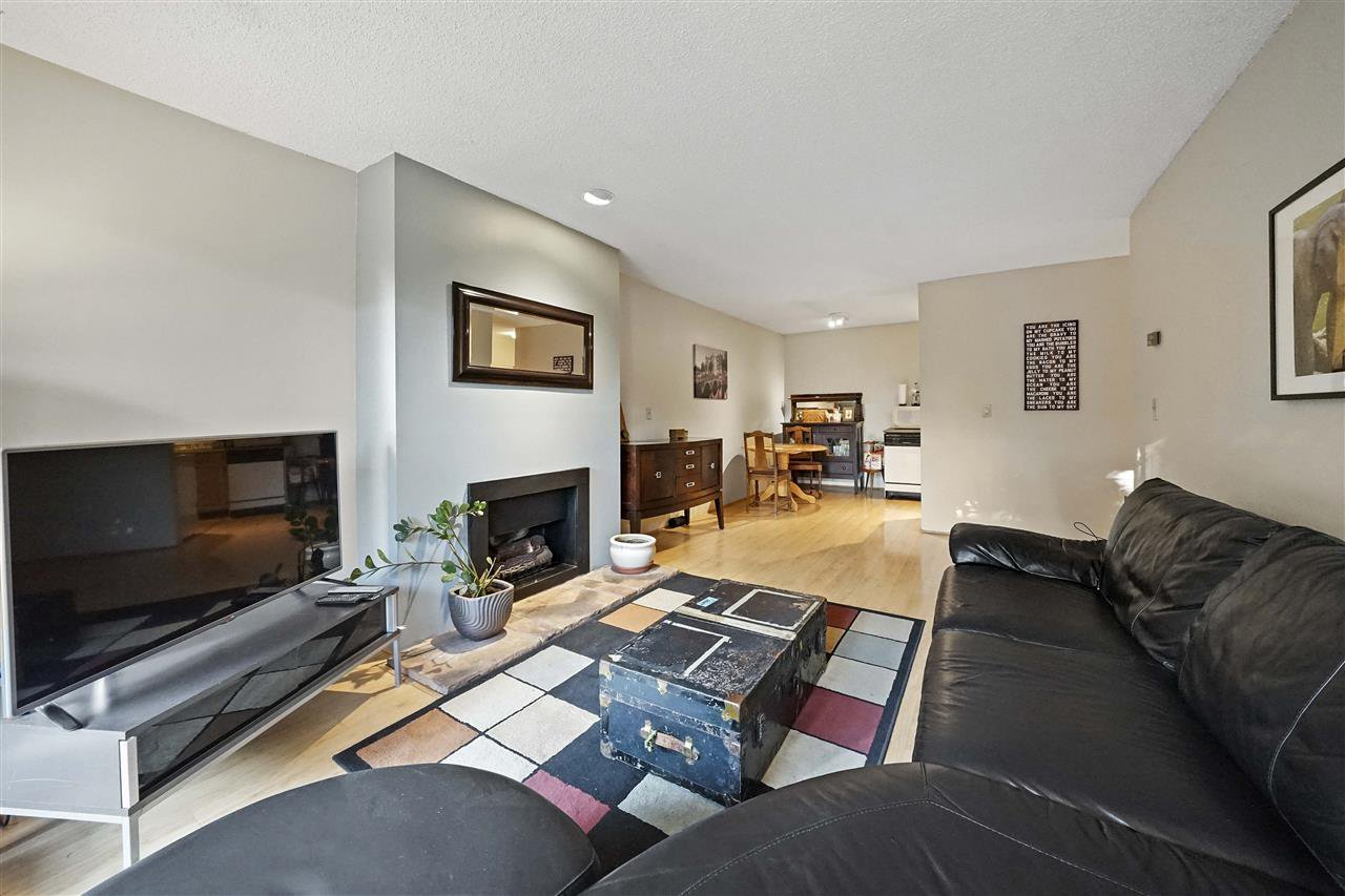 Main Photo: 208 1516 CHARLES Street in Vancouver: Grandview Woodland Condo for sale (Vancouver East)  : MLS®# R2390943