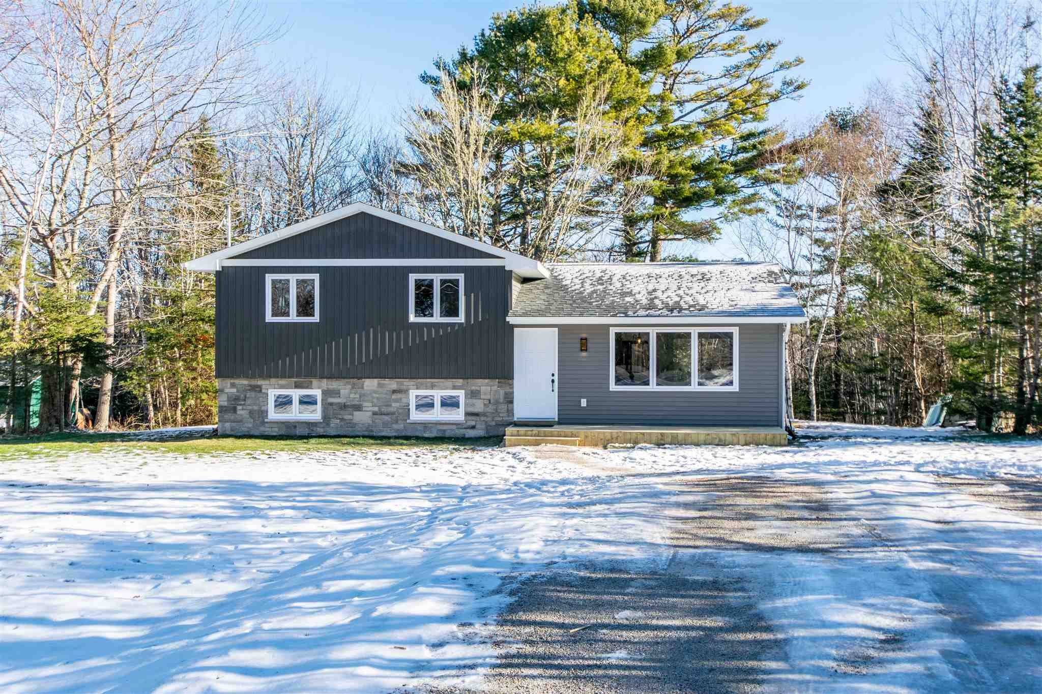 Main Photo: 95 Forest Village Road in Simms Settlement: 405-Lunenburg County Residential for sale (South Shore)  : MLS®# 202100463
