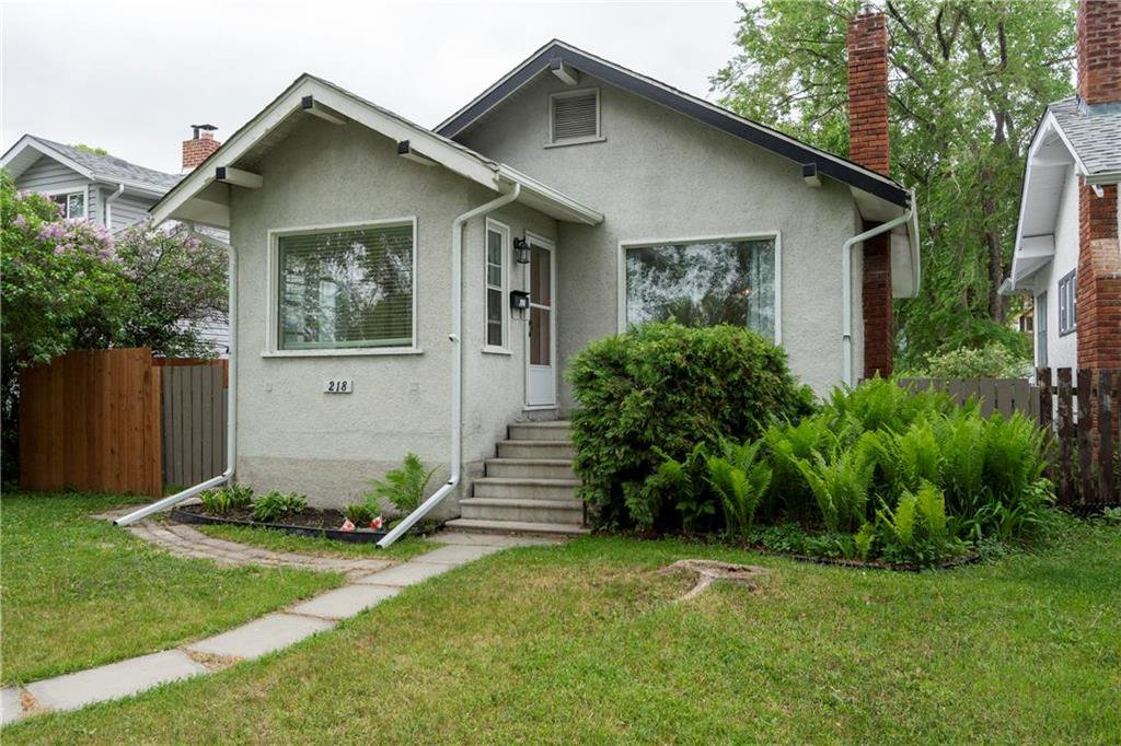 Main Photo: 218 Donalda Avenue in Winnipeg: Residential for sale (3D)  : MLS®# 202012805