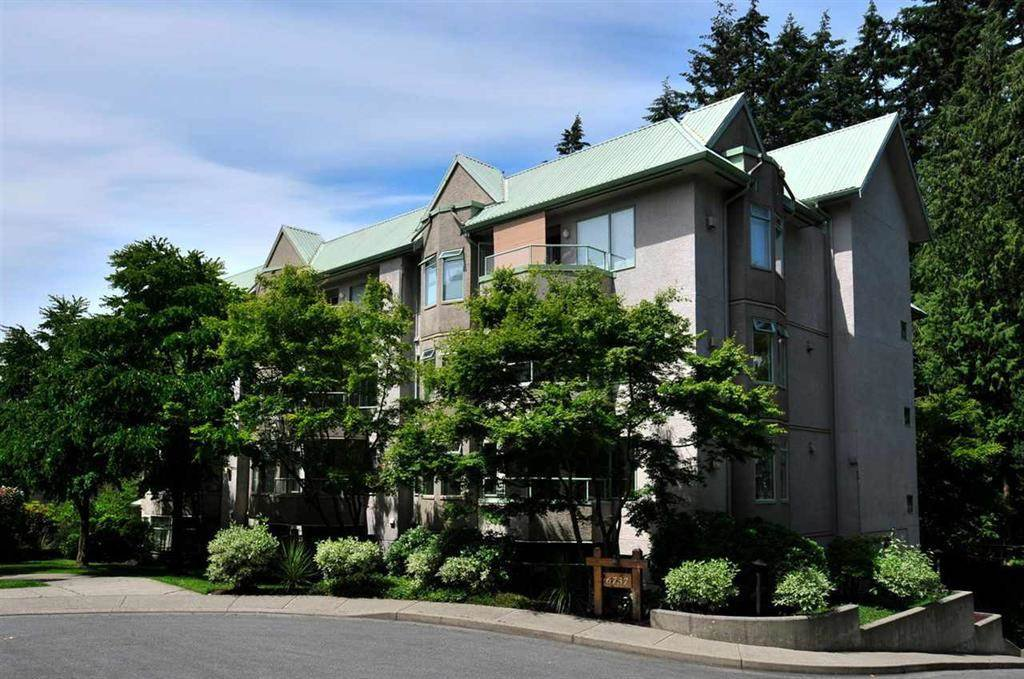 """Main Photo: 502 6737 STATION HILL Court in Burnaby: South Slope Condo for sale in """"THE COURTYARDS"""" (Burnaby South)  : MLS®# R2507857"""
