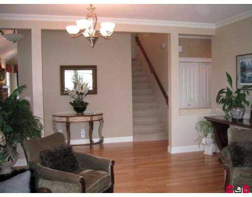 "Photo 3: Photos: 1 5688 152ND Street in Surrey: Sullivan Station Townhouse for sale in ""Sullivan Gate"" : MLS®# F2719770"