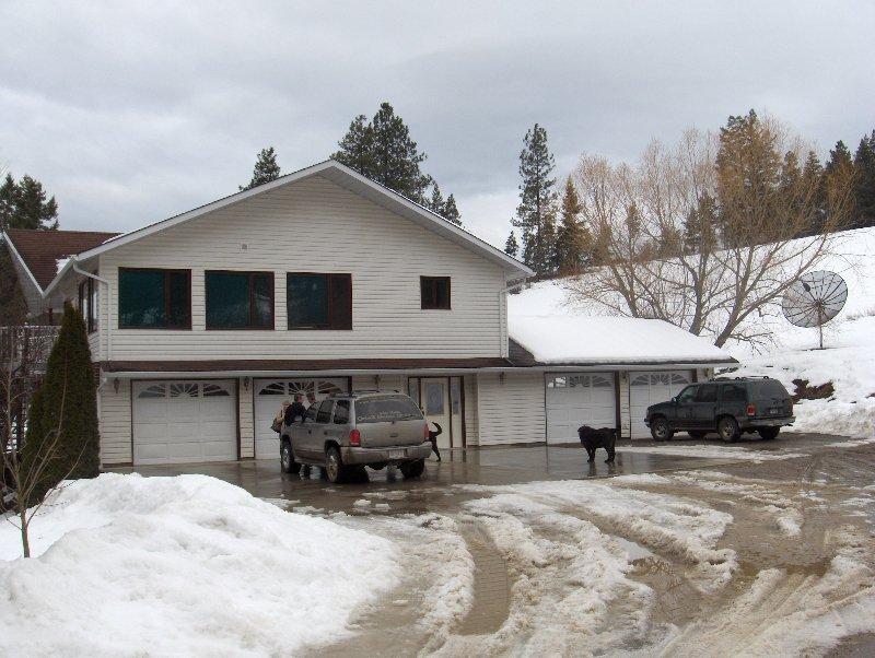 Main Photo: 202 Brash Allen Road in Enderby: House for sale : MLS®# 9169722