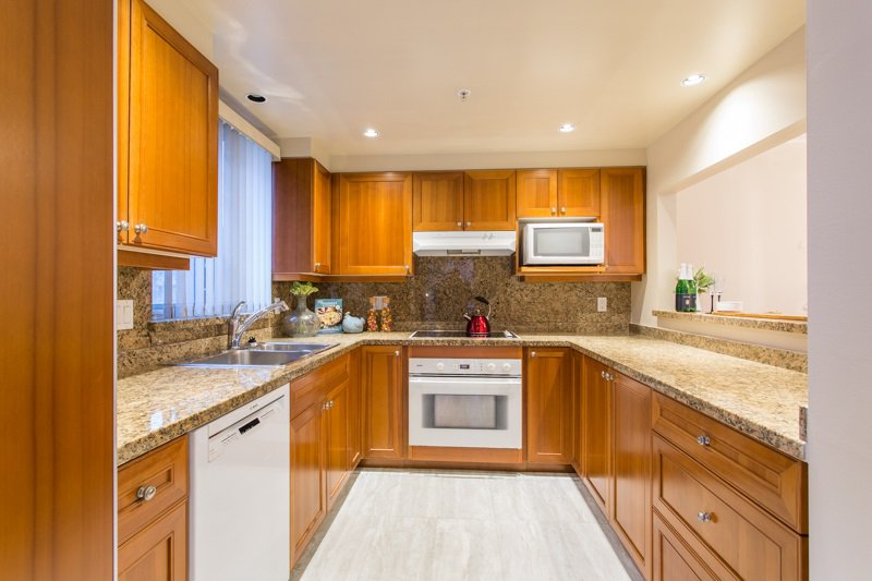 Photo 11: Photos: 401 638 W 45TH Avenue in Vancouver: Oakridge VW Condo for sale (Vancouver West)  : MLS®# R2423113
