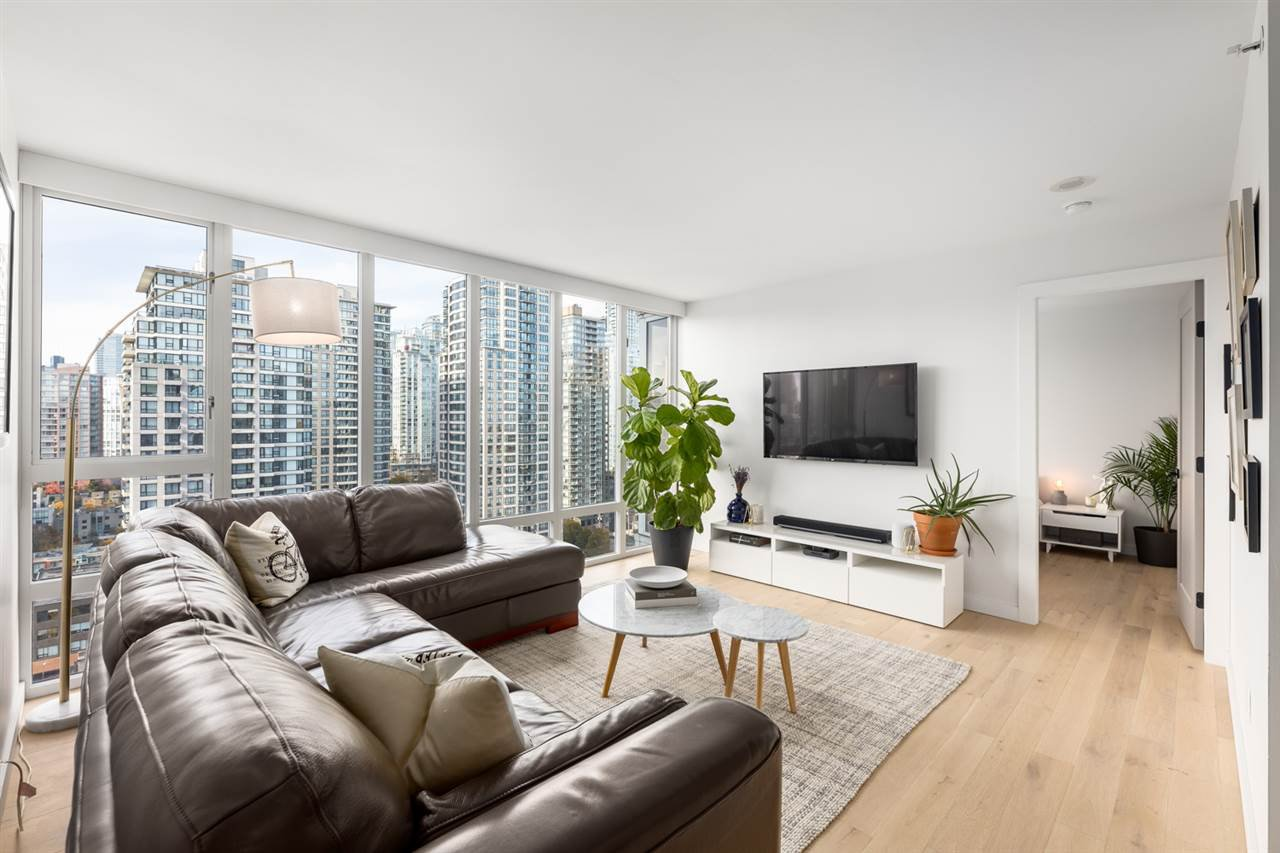 Main Photo: 2205 950 CAMBIE STREET in Vancouver: Yaletown Condo for sale (Vancouver West)  : MLS®# R2421963