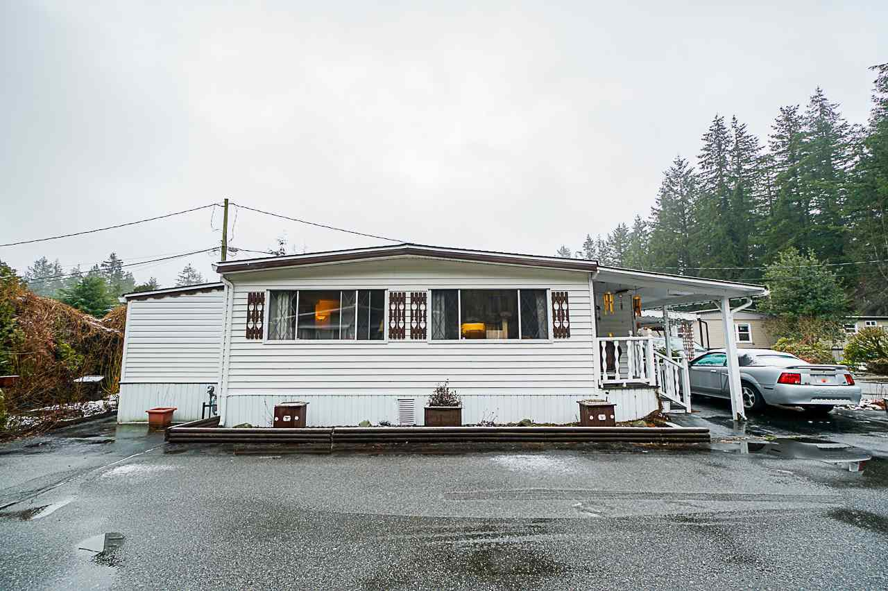 "Main Photo: 133 3031 200TH Street in Langley: Brookswood Langley Manufactured Home for sale in ""CEDAR CREEK ESTATES"" : MLS®# R2447607"