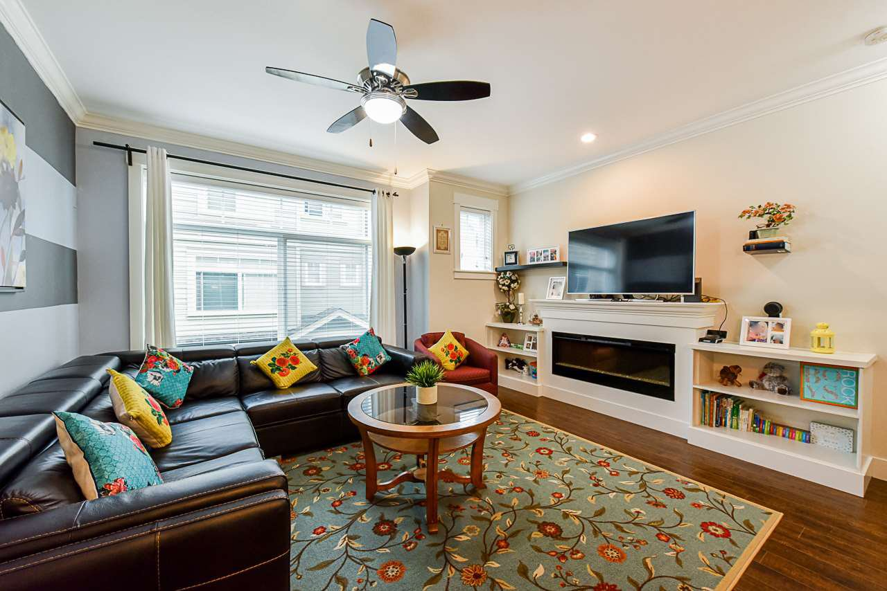 """Main Photo: 69 5957 152 Street in Surrey: Sullivan Station Townhouse for sale in """"Panorama Station"""" : MLS®# R2466563"""