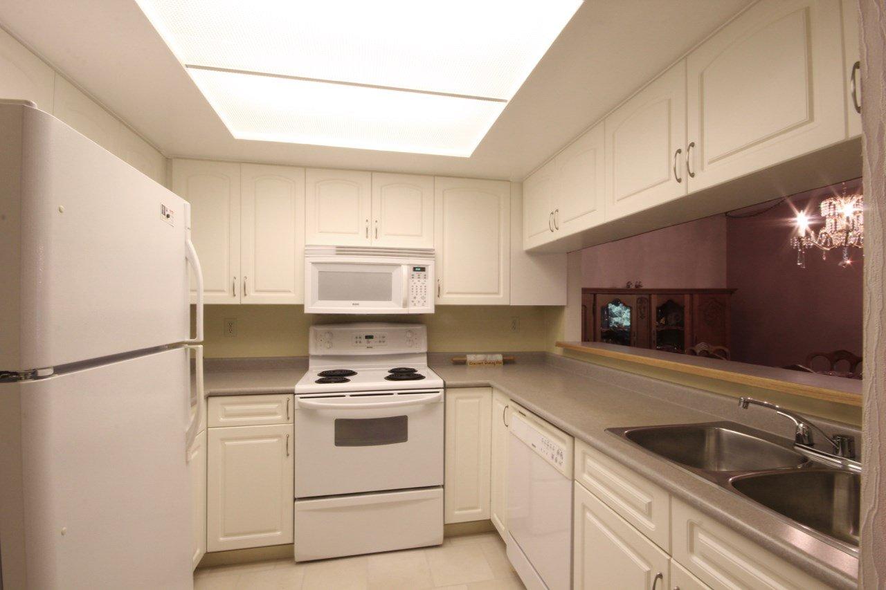 Main Photo: 216 1441 GARDEN PLACE in Delta: Cliff Drive Condo for sale (Tsawwassen)  : MLS®# R2430768