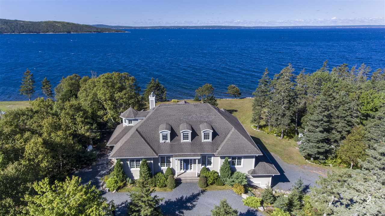 Main Photo: 1 Seaside Drive in Hackett's Cove: 40-Timberlea, Prospect, St. Margaret`S Bay Residential for sale (Halifax-Dartmouth)  : MLS®# 202019742