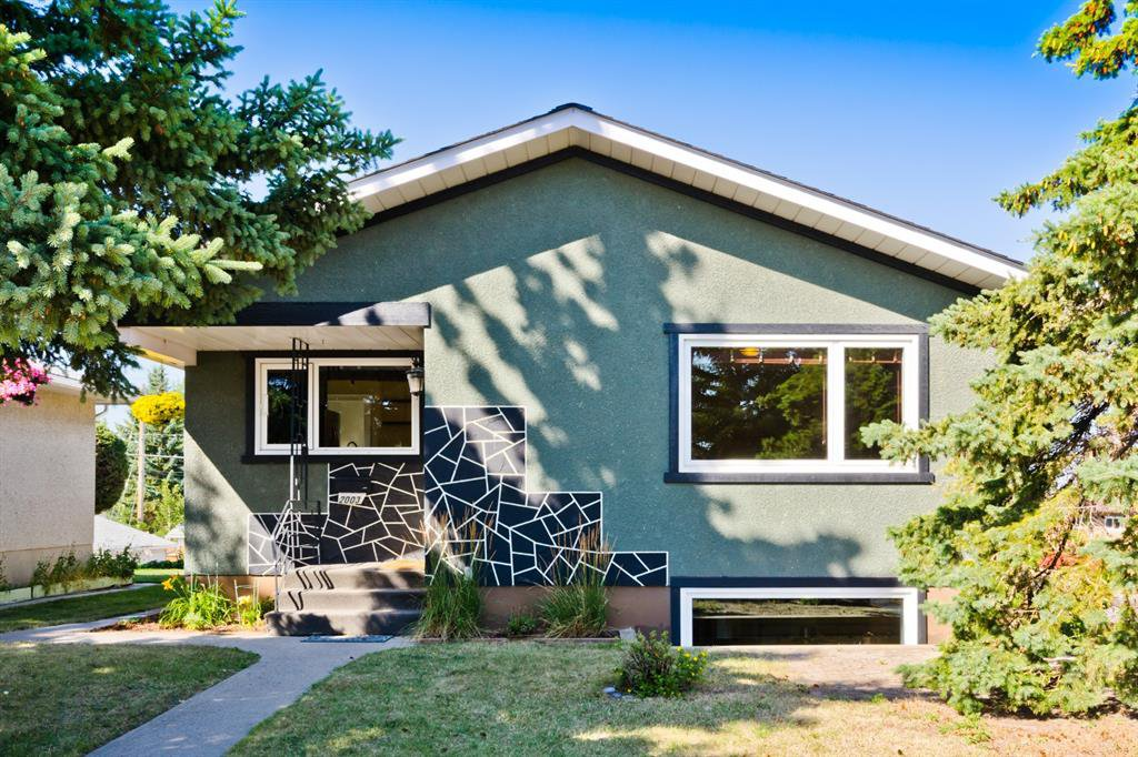 Main Photo: 2003 35 Street SE in Calgary: Southview Detached for sale : MLS®# A1027637
