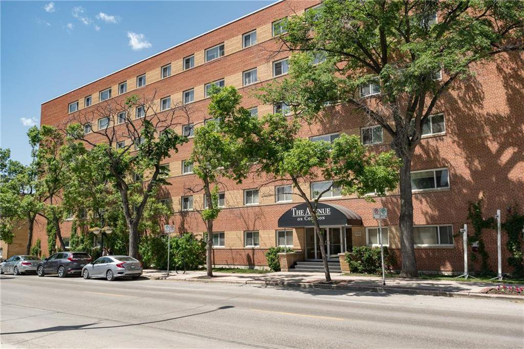Main Photo: 406 565 Corydon Avenue in Winnipeg: Crescentwood Condominium for sale (1B)  : MLS®# 202025502