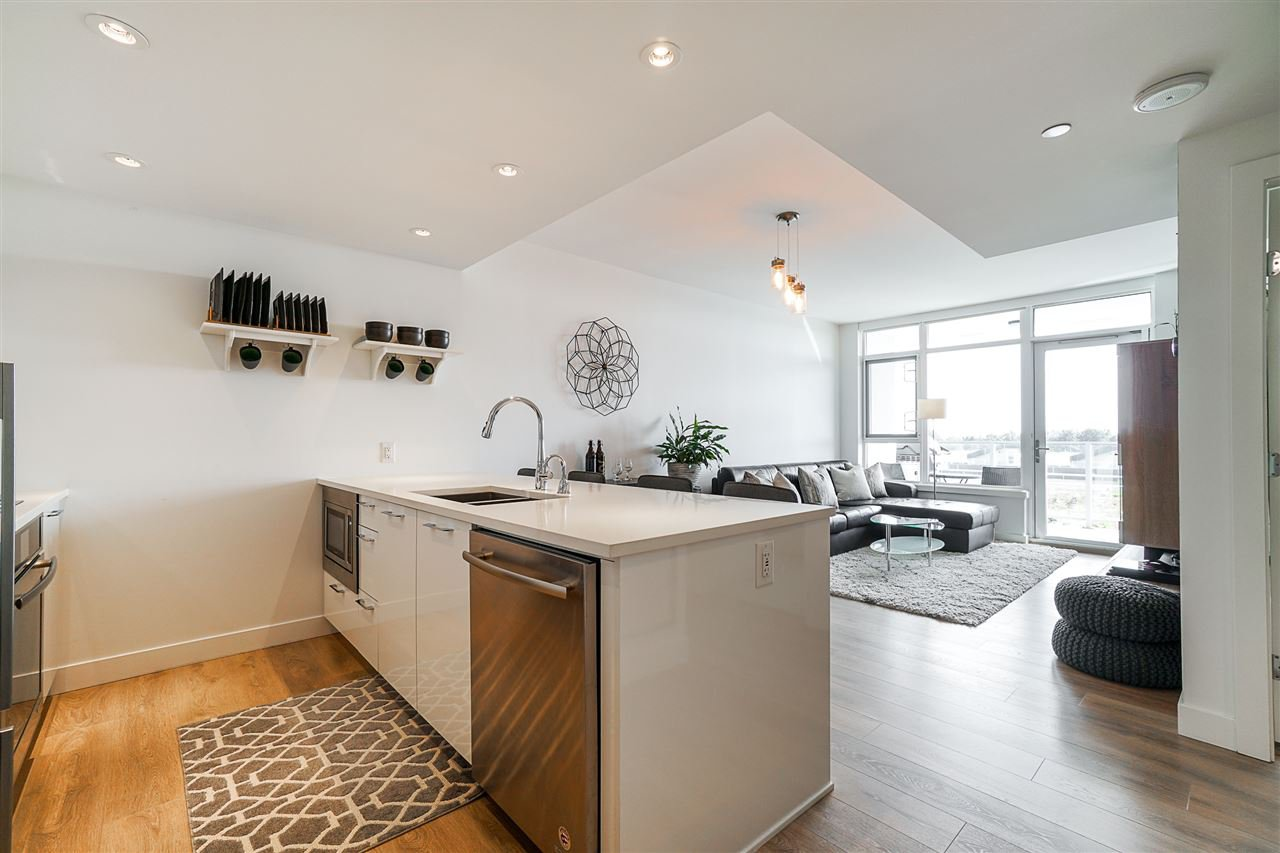 Main Photo: 806 8538 RIVER DISTRICT Crossing in Vancouver: South Marine Condo for sale (Vancouver East)  : MLS®# R2401650