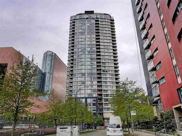 """Main Photo: 2905 33 SMITHE Street in Vancouver: Yaletown Condo for sale in """"COOPERS LOOKOUT"""" (Vancouver West)  : MLS®# R2455712"""