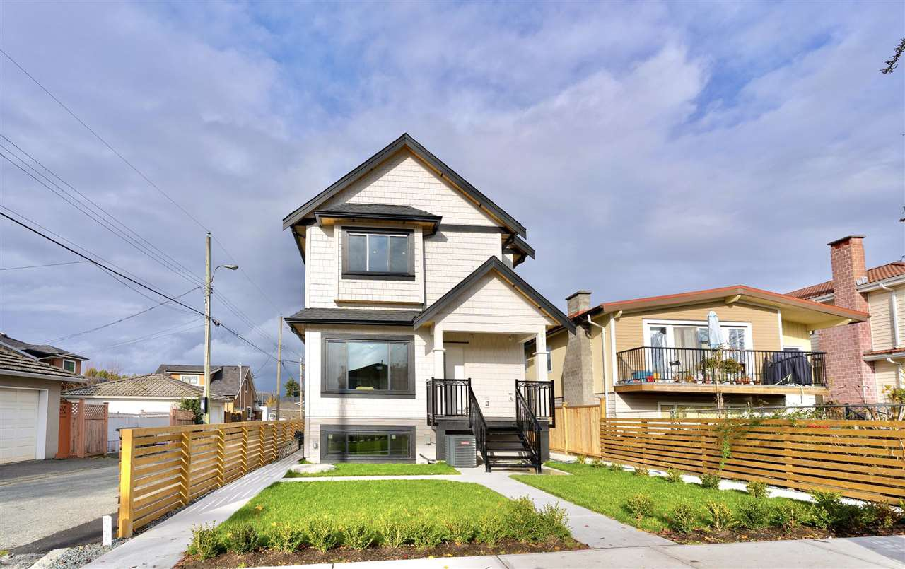 Main Photo: 2215 E 52ND Avenue in Vancouver: Killarney VE 1/2 Duplex for sale (Vancouver East)  : MLS®# R2517598