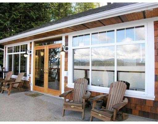 "Main Photo: 1508 TIDEVIEW Road in Gibsons: Gibsons & Area House for sale in ""LANGDALE"" (Sunshine Coast)  : MLS®# V621776"