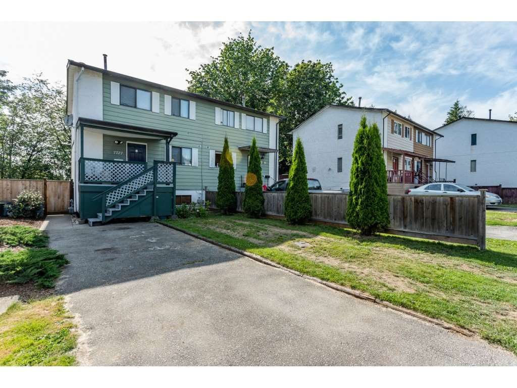 Main Photo: 7727 KITE Street in Mission: Mission BC House 1/2 Duplex for sale : MLS®# R2390133