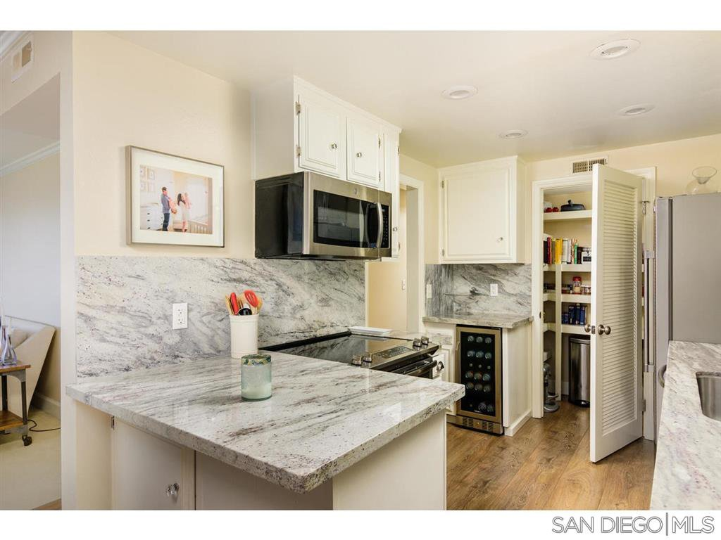Main Photo: POINT LOMA Condo for sale : 2 bedrooms : 370 Rosecrans #305 in San Diego
