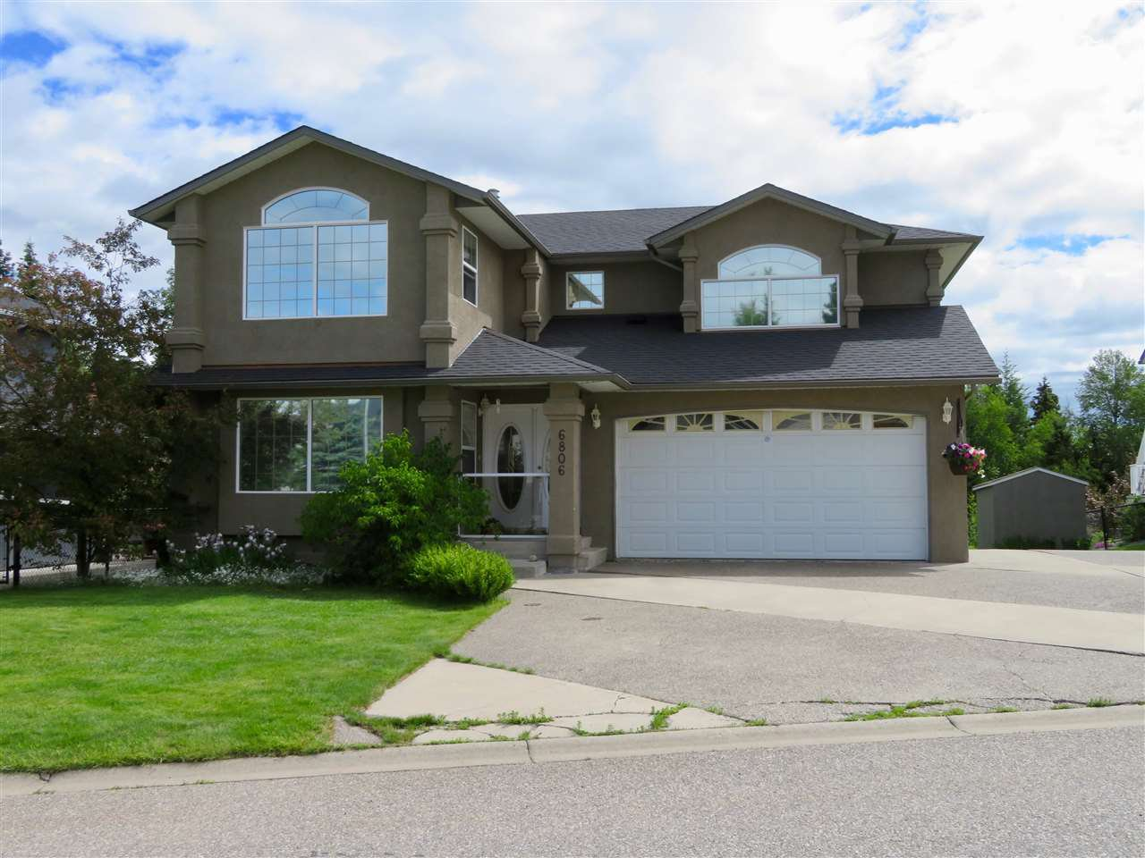 Main Photo: 6806 WESTMOUNT Drive in Prince George: Lafreniere House for sale (PG City South (Zone 74))  : MLS®# R2469612