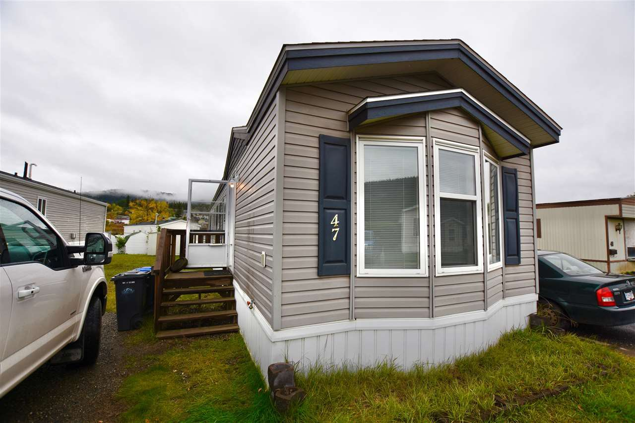 "Main Photo: 47 3001 N MACKENZIE Avenue in Williams Lake: Williams Lake - City Manufactured Home for sale in ""GREEN ACRES MOBILE HOME PARK"" (Williams Lake (Zone 27))  : MLS®# R2508986"