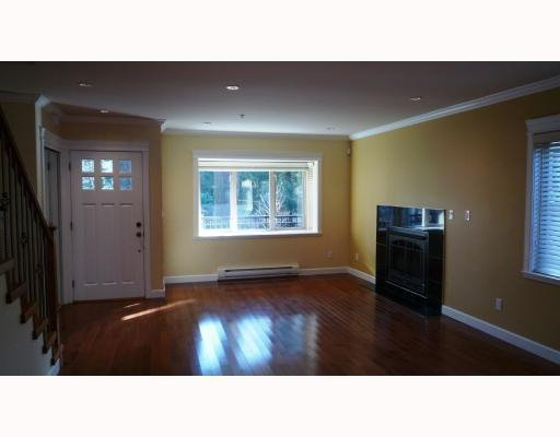 Photo 6: Photos: 3115 SUNNYHURST RD in North Vancouver: Condo for sale : MLS®# V753747