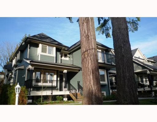 Photo 2: Photos: 3115 SUNNYHURST RD in North Vancouver: Condo for sale : MLS®# V753747