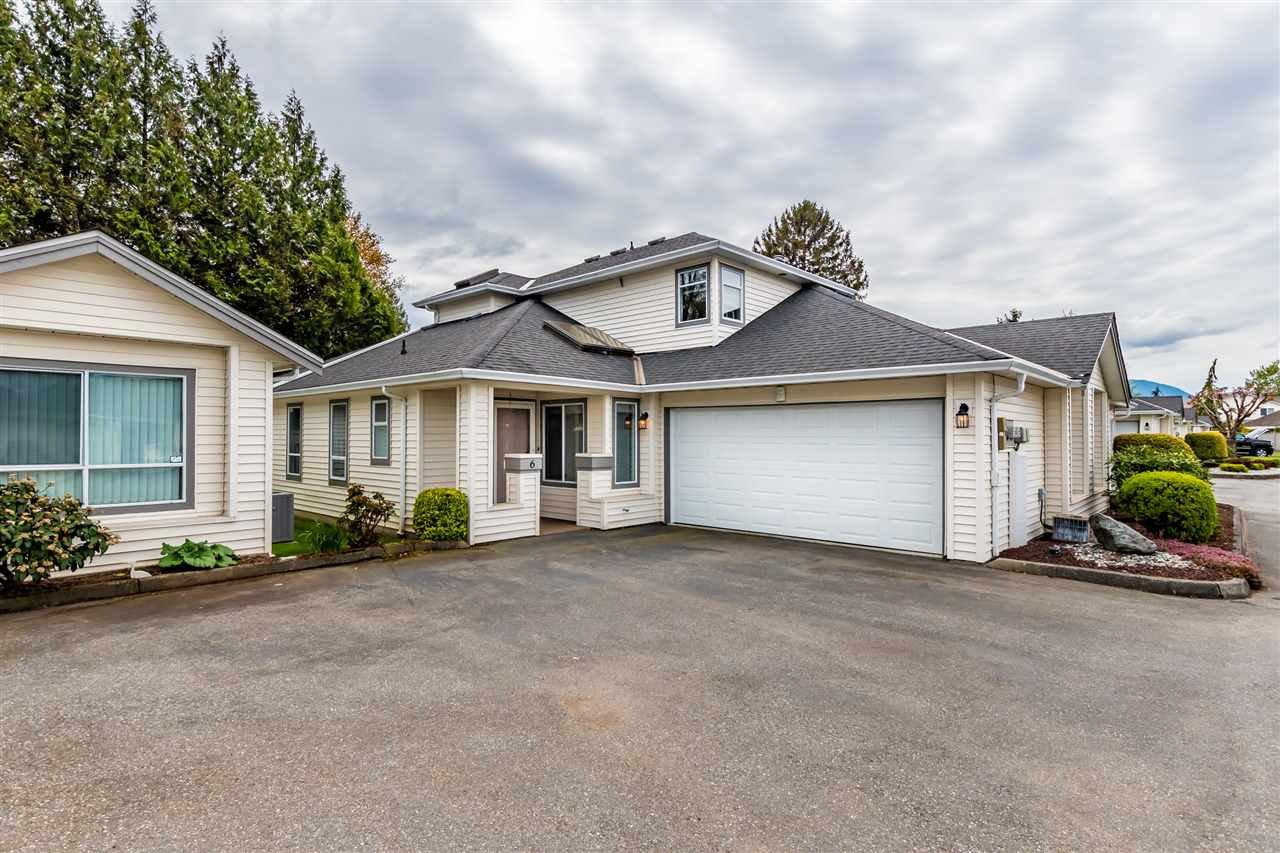 "Main Photo: 6 45302 JASPER Drive in Sardis: Sardis West Vedder Rd Townhouse for sale in ""Creekside"" : MLS®# R2427770"