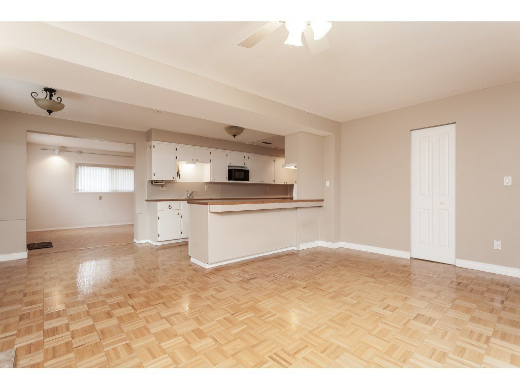 Photo 16: Photos: 27139 28A Avenue in Langley: Aldergrove Langley House for sale : MLS®# R2437213